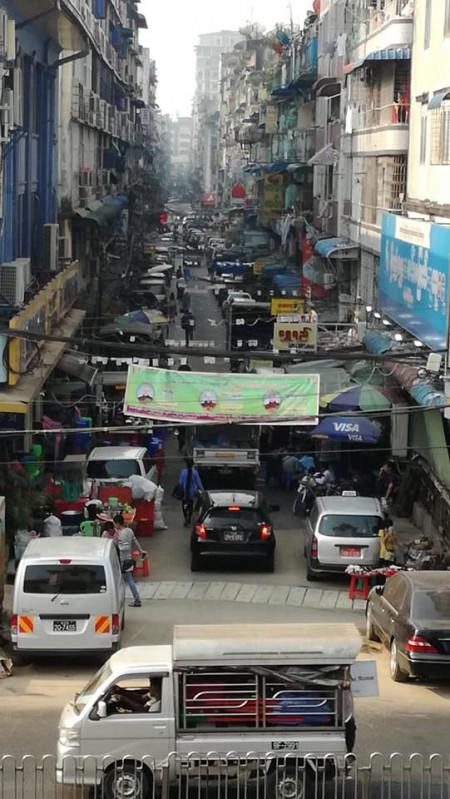 ヤンゴンの古いビル2019年ミャンマー・ヤンゴン旅行