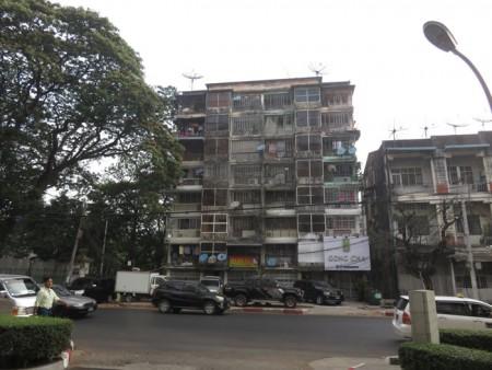 ヤンゴンの古いビル